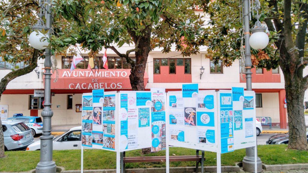Paneles del día de las Bibliotecas en Cacabelos
